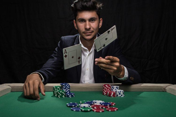 Как играть в покер с компьютером